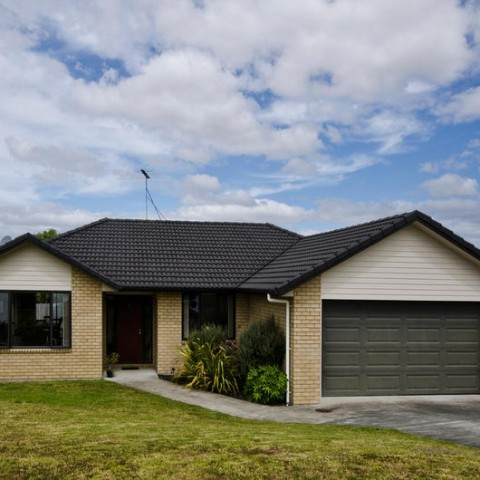 46 Lough Bourne Pl, Pukekohe.... SOLD by Murdoch Price