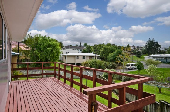 5 Capricorn Pl, Glen Eden... SOLD by Murdoch Price